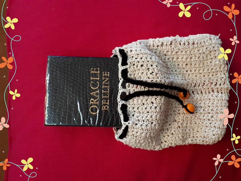 Pochette beige - perles oranges - cordon noir